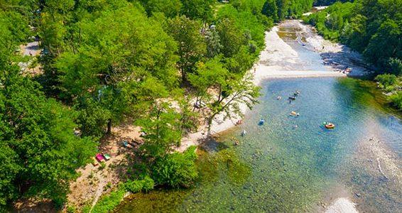 Quels sont les avantages à résider dans un camping en bord de rivière